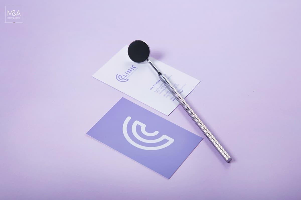 紫色的牙醫診所名片設計