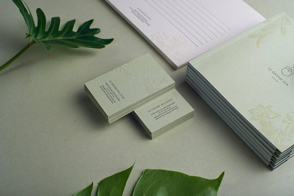 綠色風格的名片設計(SPA)
