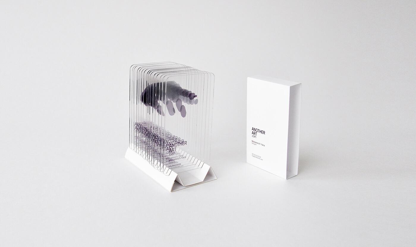 典雅的透明名片設計