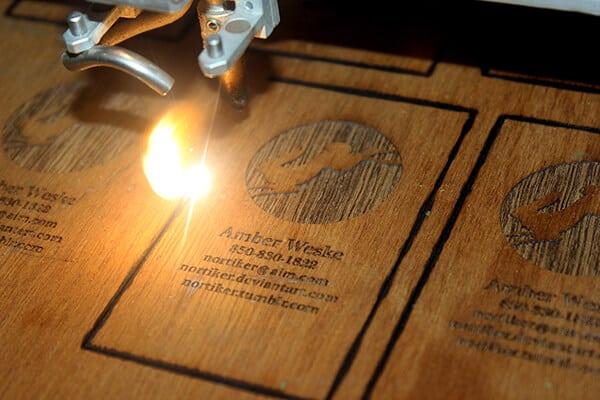 木質雷射雕刻(雷雕)的名片設計