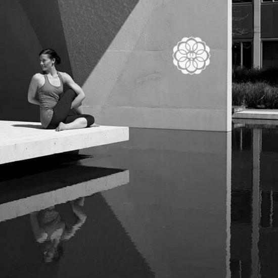 瑜珈健身品牌LOGO設計